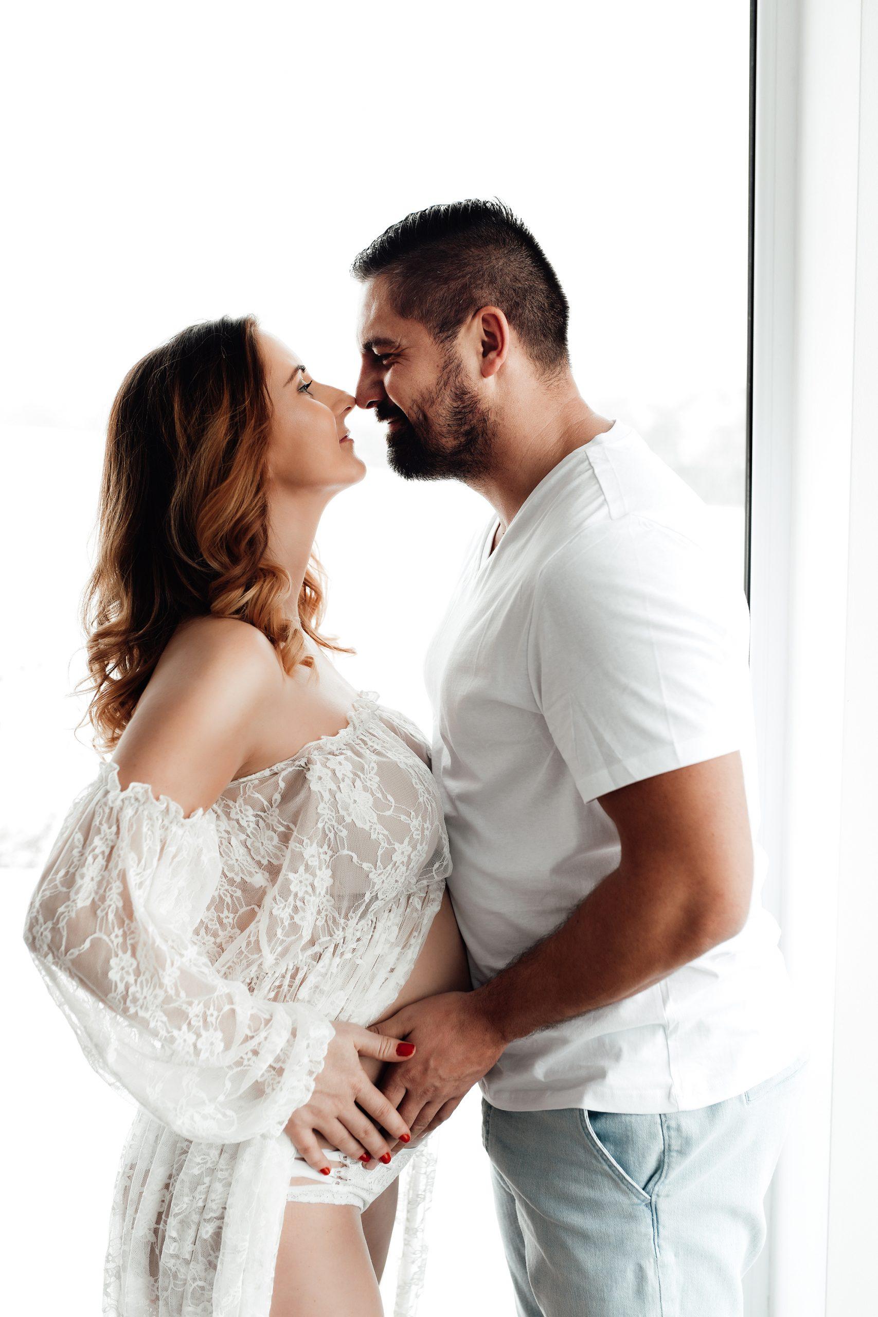 couple, pregnant